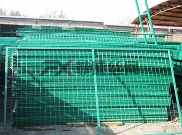高铁桥下防护栅栏生产厂家