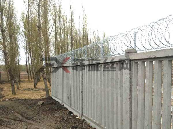 贵州铁路专用刺丝滚笼